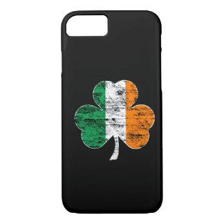 Irischer Flaggen-Kleeblatt (beunruhigt) iPhone 7 iPhone 8/7 Hülle