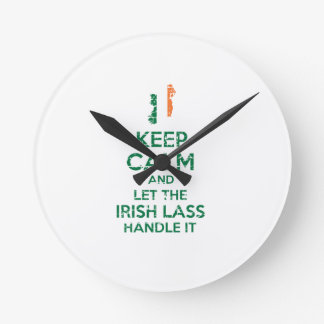 Irischer Mädchenentwurf Runde Wanduhr