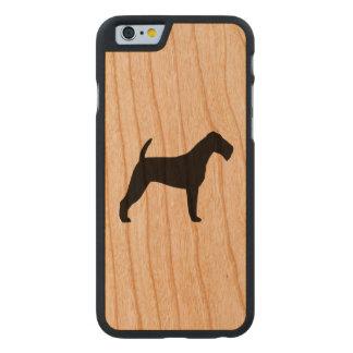 Irischer Terrier-Silhouette Carved® iPhone 6 Hülle Kirsche