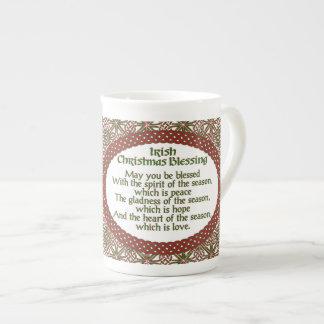 Irischer Weihnachtssegen, roter grüner keltischer Porzellantasse