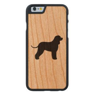 Irisches Wasserspaniel-Silhouette Carved® iPhone 6 Hülle Kirsche