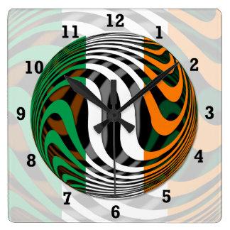 Irland #1 quadratische wanduhr