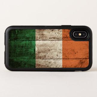 Irland-Flagge auf altem hölzernem Korn OtterBox Symmetry iPhone X Hülle