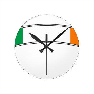 Irland-Flaggen-Band Runde Wanduhr