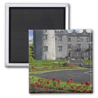 Irland, Kilkenny. Ansicht von Kilkenny-Schloss Quadratischer Magnet