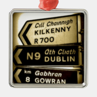 Irland-Straßenrand-Zeichen Silbernes Ornament