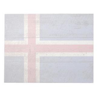 Island-Flagge auf altem hölzernem Korn Notizblock