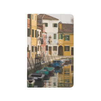 Italien, Burano. Bunte Häuser von Linie a Taschennotizbuch