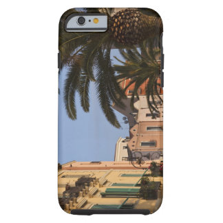 Italien, Sardinien, Cagliari. Gebäude und Palmen Tough iPhone 6 Hülle
