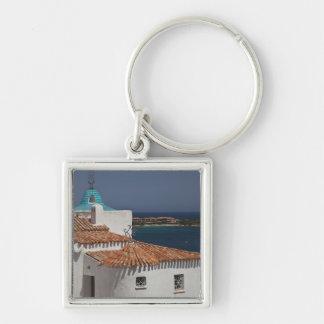 Italien, Sardinien, Porto Cervo. Chiesa di Stella Silberfarbener Quadratischer Schlüsselanhänger
