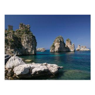 Italien, Sizilien, Scopello, Felsen durch Tonnara Postkarte