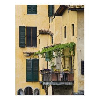 Italien, Toskana, Florenz. Balkon und Postkarte