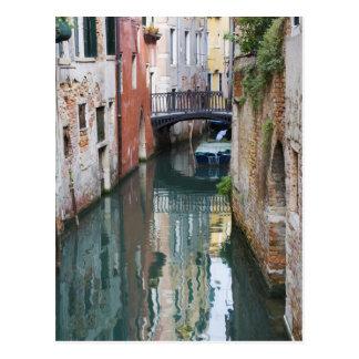 Italien, Venedig, Reflexionen und kleine Brücke Postkarte