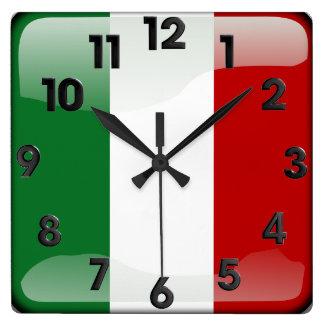 Italiener poliert quadratische wanduhr
