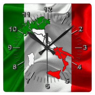 Italienische wellenartig bewegende Flagge Quadratische Wanduhr
