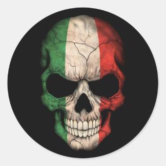 Italienischer Flaggen-Schädel auf Schwarzem Runder Aufkleber