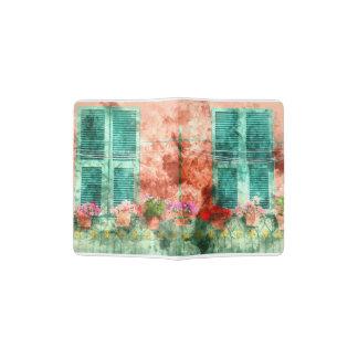 Italienisches Fenster mit offenen hölzernen Passhülle