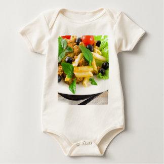 Italienisches Teigwaren rigatoni mit Soße von Baby Strampler