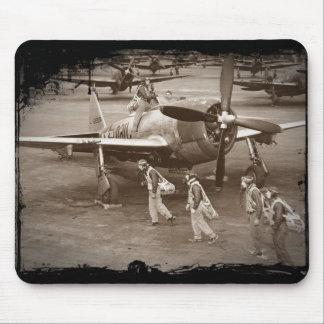 Jagdflieger, die auf Thunderbolts P-47 ausbilden Mauspads