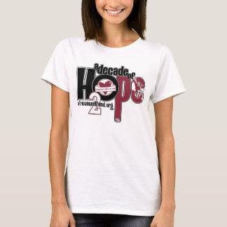 Jahrzehnt des Hoffnungs-Damenbabys - Puppe T-Shirt