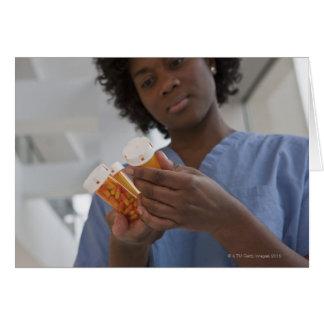 Jamaikanische weibliche Krankenschwester, die Karte