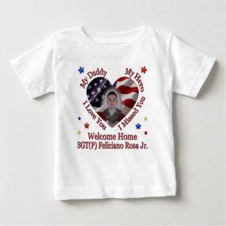 Janishas kundenspezifisches Shirt
