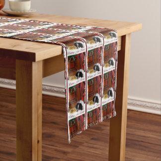 Japanerchin-Welpen-Weihnachten Kurzer Tischläufer