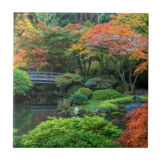 Japanische Gärten im Herbst in Portland, Oregon 3 Fliese
