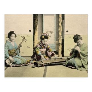 """Japanische Mädchen, welche die Flöte, """"den Koto"""" Postkarte"""