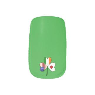 Japanisches Flaggen-Kleeblatt Minx Nagelkunst