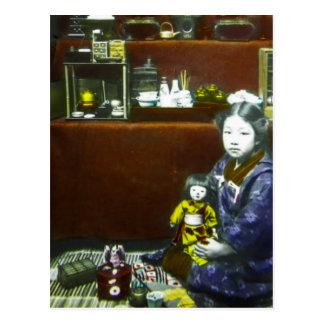 Japanisches kleines Mädchen-Vintages magische Postkarte
