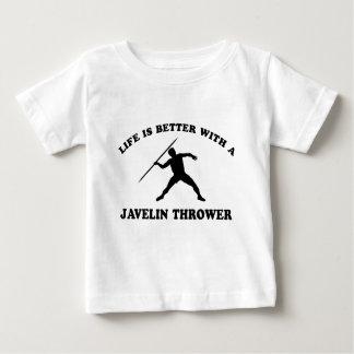 Javelinist trägt Entwürfe zur Schau Baby T-shirt