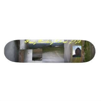JayKnight Colorado Geburtstags-Skater gebohrt Bedruckte Skateboarddecks