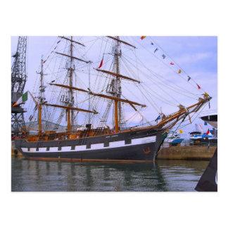 """Jeannie Johnston"" Segel-Trainingsschiff, hohes Postkarte"