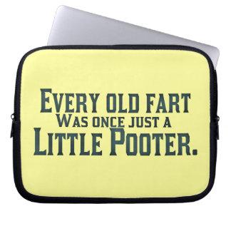Jede alte Furz war einmal gerade ein kleines Poote Laptop Sleeve