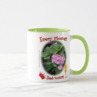 Jede Blume benötigt Feuchtigkeit! Umfassen Sie Ihr Tasse
