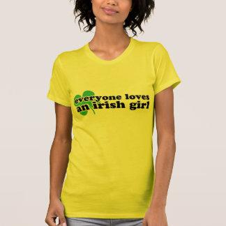 Jeder Lieben ein irisches Mädchen T-Shirt