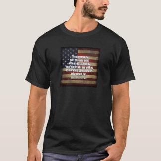 Jefferson-Zitat: Die Demokratie hört… auf T-Shirt