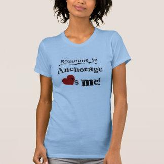 Jemand im Anchorage T-Shirt