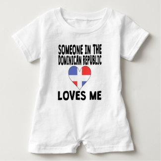 Jemand in den Dominikanische Republik-Lieben ich Baby Strampler