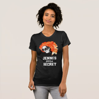 """""""Jennis wenig Geheimnis"""" Redhead-mit Buchstaben T-Shirt"""