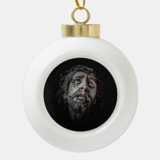 Jesuschrist stellen dunkles Plakat gegenüber Keramik Kugel-Ornament
