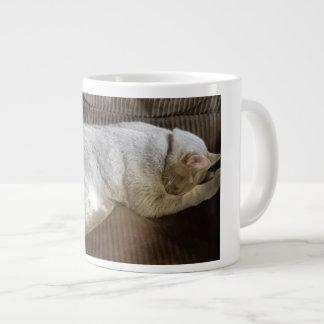 Jetzt lege ich mich niederwerfe, um zu schlafen Jumbo-Tasse