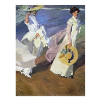 Joaquín Sorolla-, das entlang die Küste schlendert Postkarte
