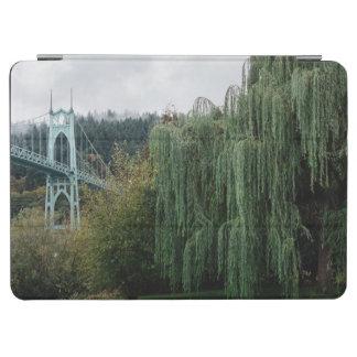 Johannes Brücke vom Kathedralen-Park iPad Air Cover