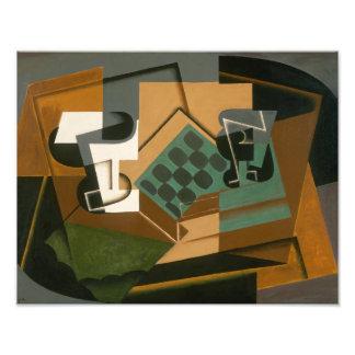 Juan Gris - Schachbrett, Glas und Teller Fotodruck
