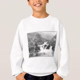 Junge, der einen Fisch fängt Sweatshirt