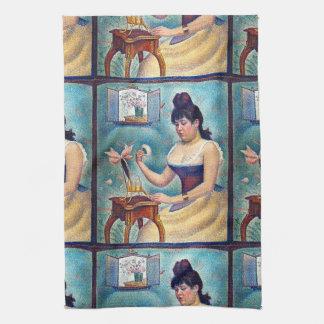 Junge Frau, die sich pulverisiert Handtuch