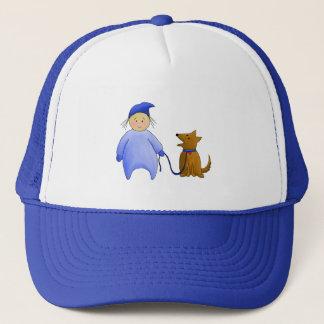 Junge im Blau mit Hund Truckerkappe