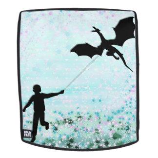 Junge mit Drachen Rucksack